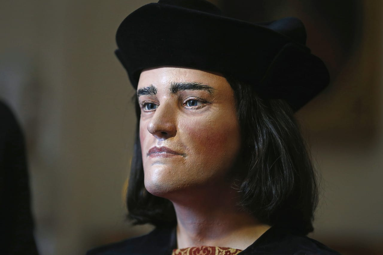 "Face of Richard III, England's ""king in the car park"", revealed"