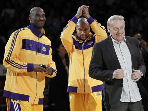 Jerry Buss, Longtime Lakers Owner, Is Dead at 80