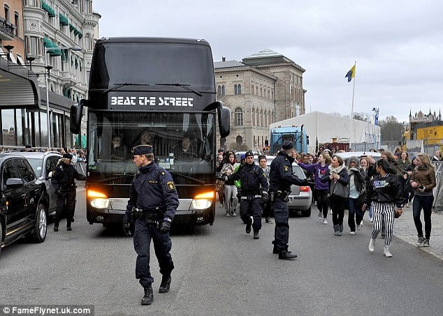 Swedish Police Find Drugs And A Stun Gun On Justin Bieber's Tour Bus