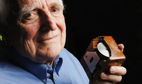 Douglas C. Engelbart, Inventor Of The Computer Mouse, Dies At 88 | LNC ...