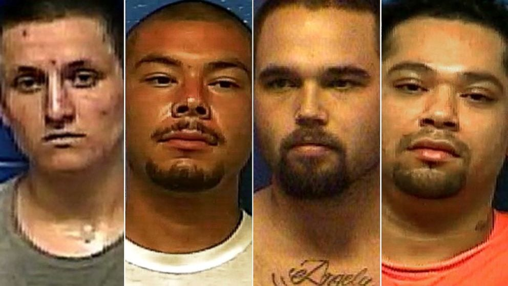Four Oklahoma inmates escape through jail shower – 2 now caught