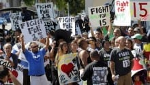 More than half of US fast food workers on public aid
