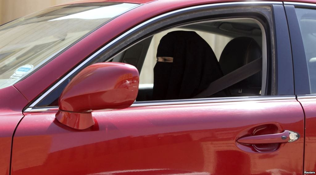 Saudi women drive cars to protest government ban