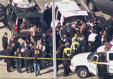 TSA agent dead; suspect in custody after LAX shooting