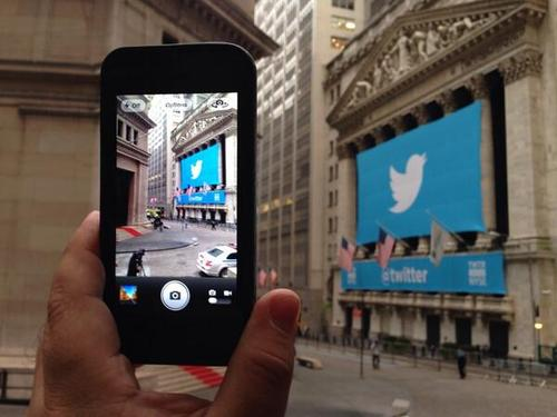 Twitter poised to make NYSE debut