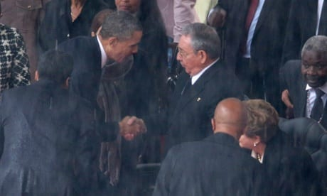 Obama shakes hands with Raúl Castro for first time at Mandela memorial