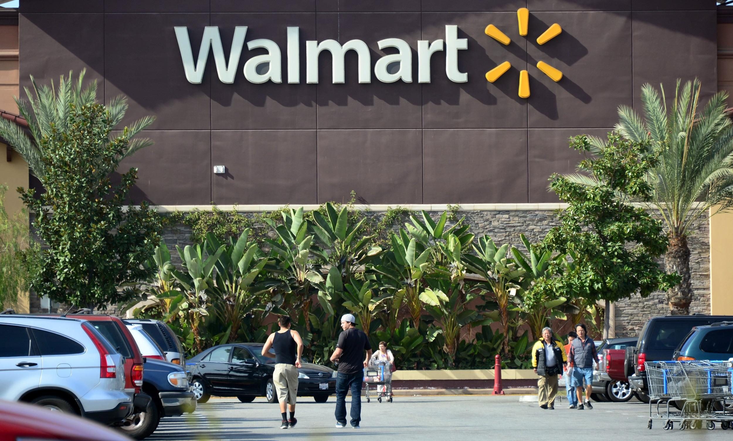 Wal-Mart Sues Visa Claiming Card Transaction Fee Conspiracy For $5B
