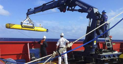 Malaysia jet search area too deep for submarine