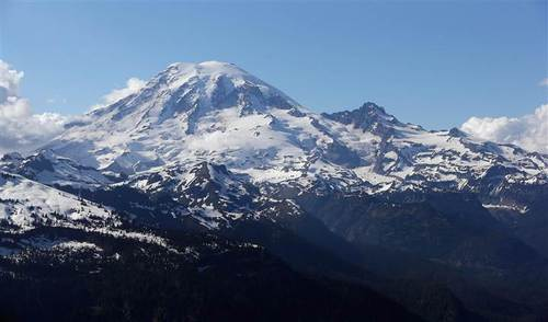 6 climbers missing on Washington's Mount Rainier