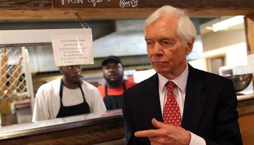 Sen. Thad Cochran defeats tea party challenger, survives runoff