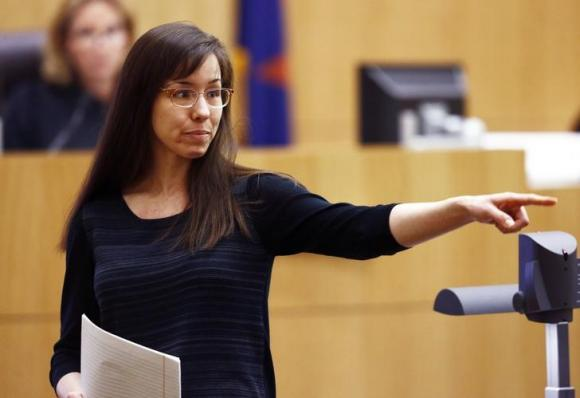 Jodi Arias Retrial Delayed: Judge gives Jodi more time