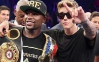 Floyd Mayweather Teaching Bieber to Box