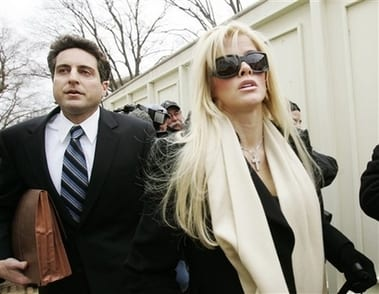 Retrial of Anna Nicole Smith Agent OK'd