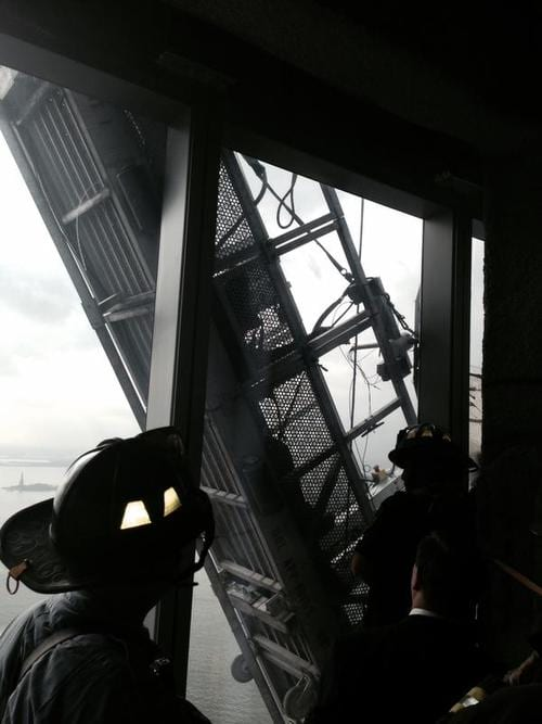 Window-washers rescued from 1 World Trade Center