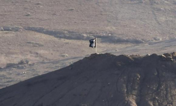 Islamic State kill 16 Iraqi soldiers on Syria border - officials