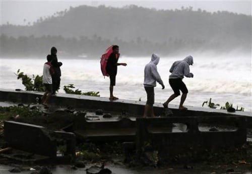 Typhoon Hagupit makes landfall in Philippines as 1 million flee
