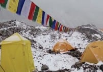 Watch Everest Avalanche Following Nepal Earthquake VIDEO