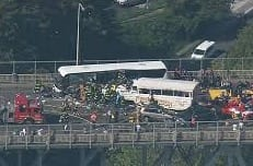 Duck Tour & Bus Crash In Seattle Aurora Bridge