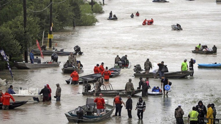 At Least 20 Dead 13000 Rescued In Texas As Harvey Lands In Louisiana