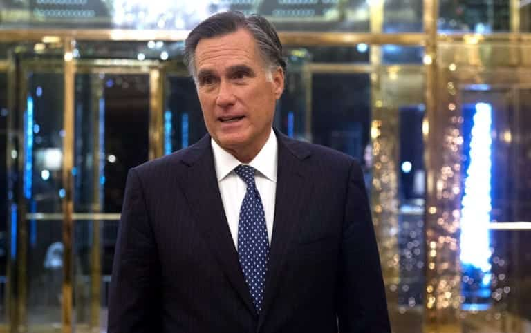Mitt Romney Donald Trump Should Apologise Over Charlottesville Comments