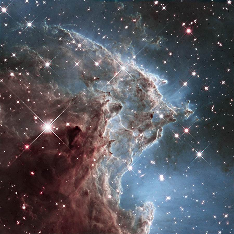 Hubble Telescope celebrates 24 years with a great wave